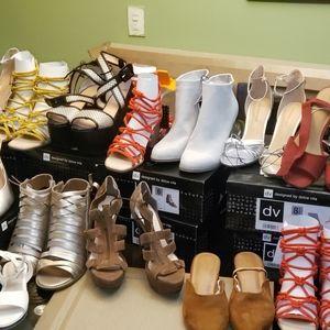 Various name brand sandal